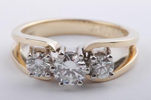 brillant diamant ring wei lupenrein aus 585 er gelbgold mit brilliant solit ebay. Black Bedroom Furniture Sets. Home Design Ideas