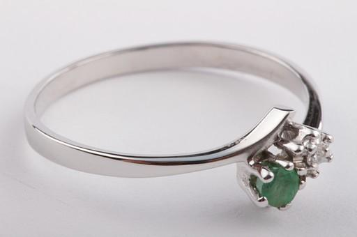 smaragd ring in aus 585 er wei gold mit diamant brillant brilliant gr 56 ebay. Black Bedroom Furniture Sets. Home Design Ideas